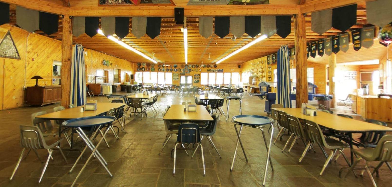 Dining hall warm