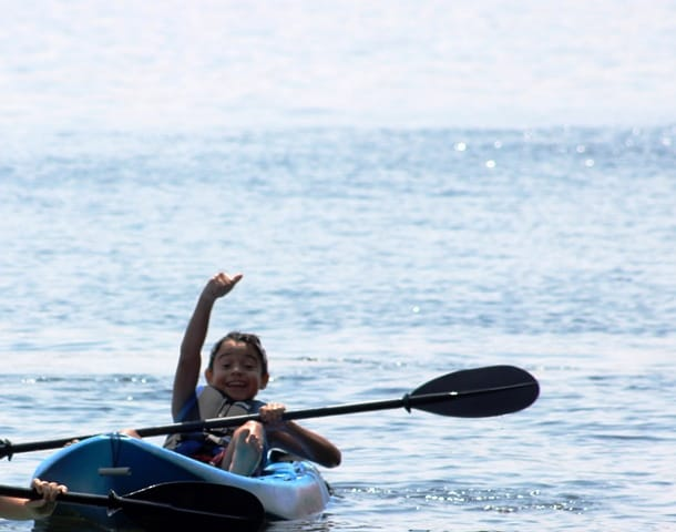 Guillermo thumbs up kayak CR